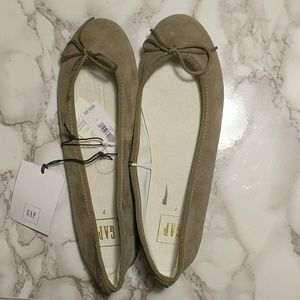 Gap taupe leather flats
